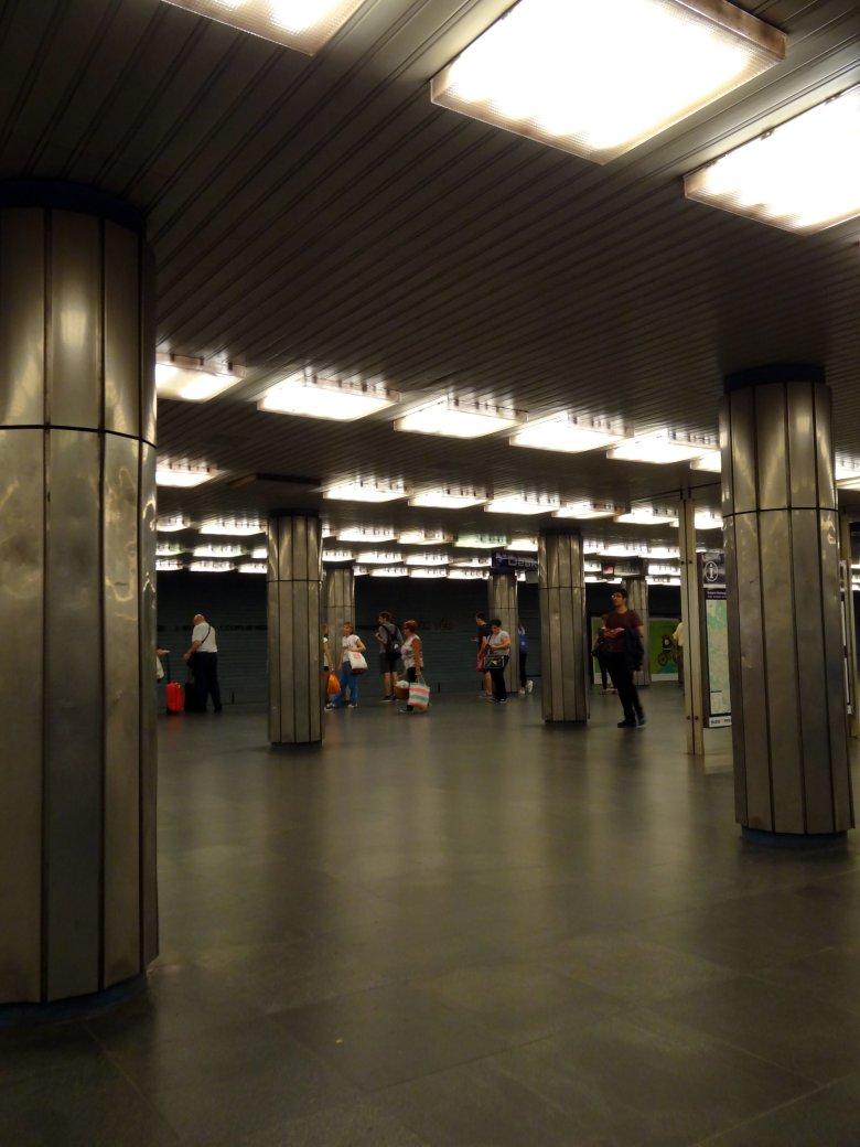 Stacja linni metra M1, fot. Alicja Wianecka