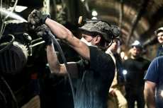 Górnictwo jest niebezpiecznym zawodem, lecz zarobki są prawie tak dobre, jak w IT.