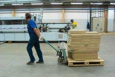 Fabryki mebli: praca po 10 godzin na dobę, łącznie z sobotami, pensja pod stołem. A i tak wszyscy zadowoleni