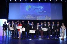 Międzynarodowy konkurs PowerUp! by InnoEnergy 2018 przeznaczony jest dla start-upów z obszaru energii z Europy Środkowej i Wschodniej. Zgłoszenia do aktualnej edycji można wysyłać do 15 kwietnia tego roku. Na zdjęciu laureaci ubiegłorocznego konkursu