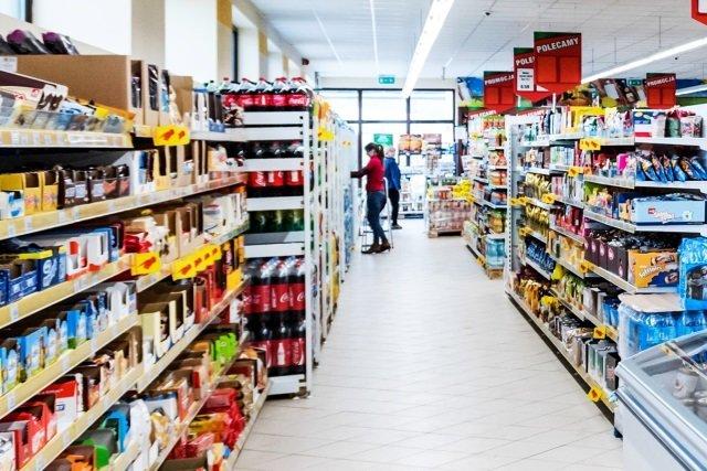 Polska sieć sklepów Dino pokazuje, że zarabiać można pomimo zakazu handlu w niedziele
