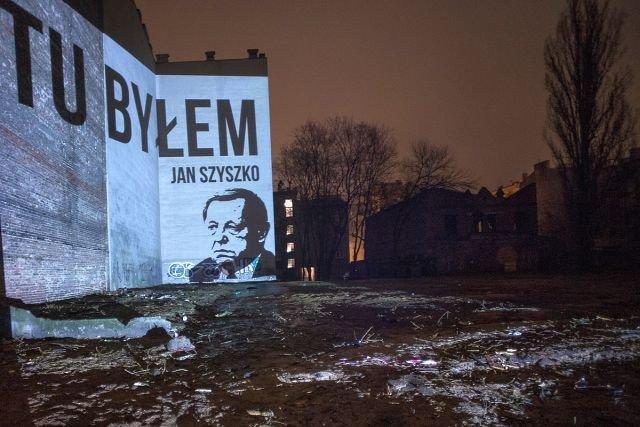 Protest Greenpeace po wycięciu drzew na ul. Stalowej w Warszawie