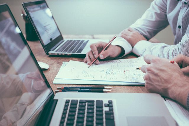 Prawo, pieniądze, inteligentne narzędzia do zarządzania biznesem - to wszystko znajdziesz w Akademii Przedsiębiorczości INN:Poland.