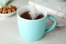 Parzenie herbaty w torebkach sprawia, że z plastikowych torebek uwalniany jest mikroplastik – odkryli naukowcy z Kanady.