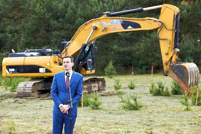 Wicepremiem Mateusz Morawiecki zapowiada, że rządowe inwestycje w końcu ruszą. Na razie stoją