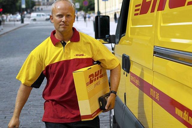 Kurierzy DHL będą dostarczać przesyłki z Allegro również w godzinach 17 - 22.