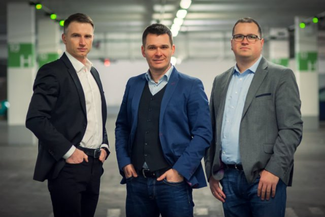 Robert Tomaszewski (IBM). Piotr Śmiałek (Orange) i Rafał Hryniów (HP) jeszcze kilka lat temu pracowali jako menedżerowie w największych korporacjach w Polsce