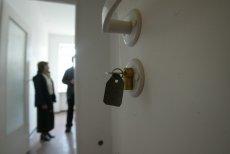 Lokatorzy mieszkający w za dużych mieszkaniach czeka przymusowa przeprowadzka do mniejszych lokali. Są jednak pewne wyjątki