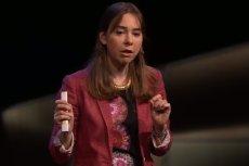 Dina Kalabi, badaczka MIT, która wynalazła urządzenie zdolne do bezdotykowego monitoringu funkcji życiowych ludzkiego organizmu.