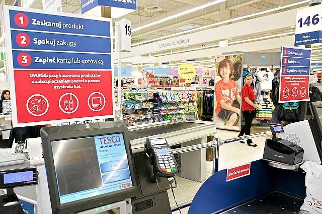 Sieć Tesco boryka się z problemami finansowymi i zamyka sklepy. Dodatkowym kłopotem jest sprzeciw warszawiaków przed rozbudową marketu na Kabatach