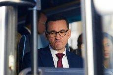 Premier Mateusz Morawiecki jest krynicą fake newsów, ale zachęca, by z nimi walczyć