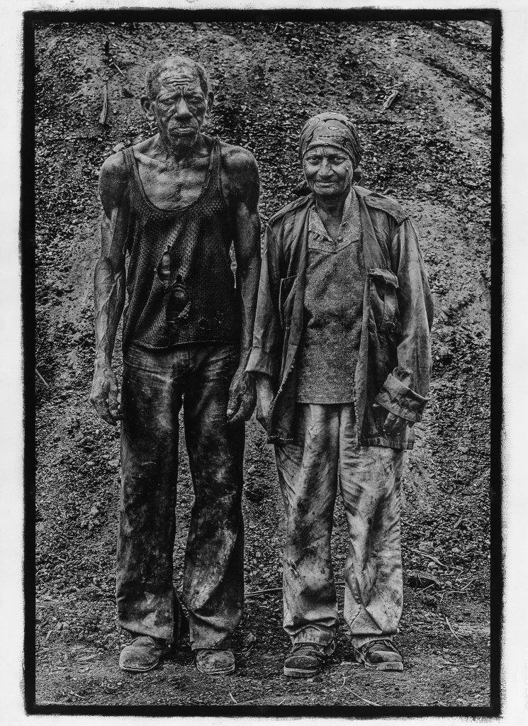 "Foto: Stéphane Noël, ""Caridad y Andrea, fotografia w technice gumy dwuchromianowej"