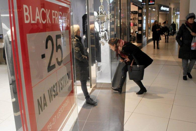 Podczas wyprzedaży w ostatni listopadowy piątek zdarzały się manipulacje cenami.