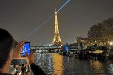 Wiele smartfonów nie radzi sobie po zmierzchu. Ten czuje się wtedy jak ryba w wodzie