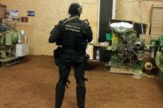 Kontrola Skarbowa rzuca do boju nawet uzbrojonych funkcjonariuszy. Teraz wrzuci rzeczy dłużnika na Allegro