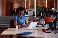 Start-upom się nie przelewa, więc każdy sposób na złagodzenie problemów finansowych czy ograniczenie kosztów jest wskazany. Przedstawiamy 3 usługi, którymi start-upowcy powinni być zainteresowani