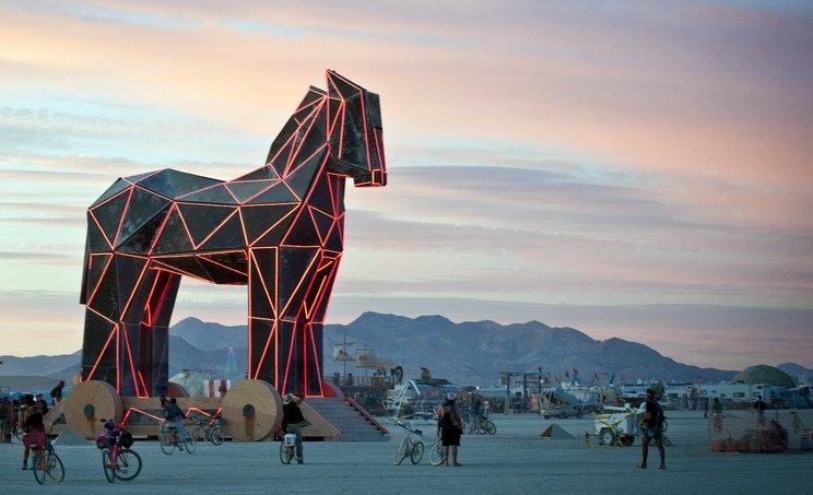 Symboliczny koń trojański (Burning Man, 2012)