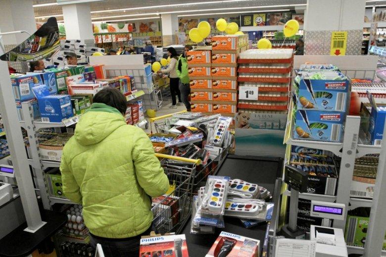 Wprowadzenie zakazu handlu w niedzielę zmieni godziny doby pracowniczej: będzie się ona zaczynać o północy.