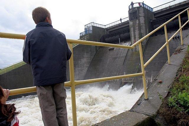 Jeśli nowelizacja ustawy o prawie wodnym wejdzie w życie, mogą nas czekać nawet 50 procentowe podwyżki za usługi komunalne.