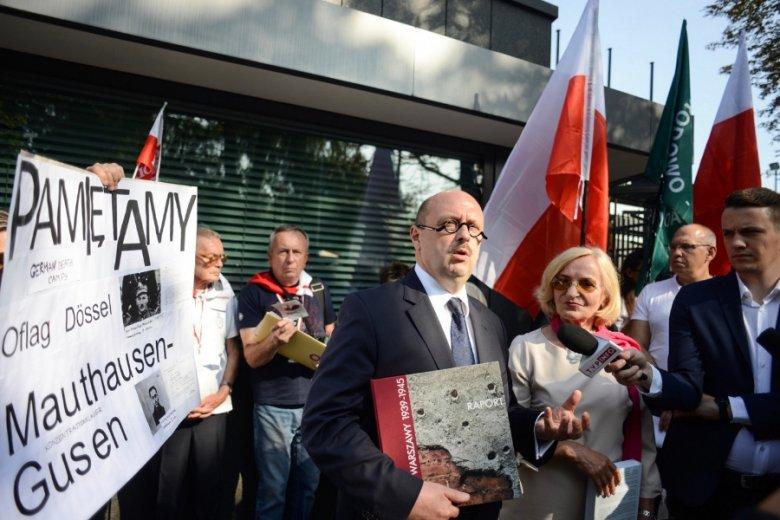 Protest ONR i Stowarzyszenia Rodzin Ofiar Obozow Koncentracyjnych w 79. rocznice agresji Niemiec na Polskę.
