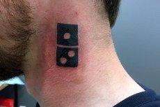 W odpowiedzi na promocję Domino's Pizza, setki Rosjan zrobiło sobie tatuaże z logo firmy.