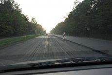 Zobacz, jak naukowcy chcą naprawić polskie drogi. Ich piankobeton może być prawdziwym hitem