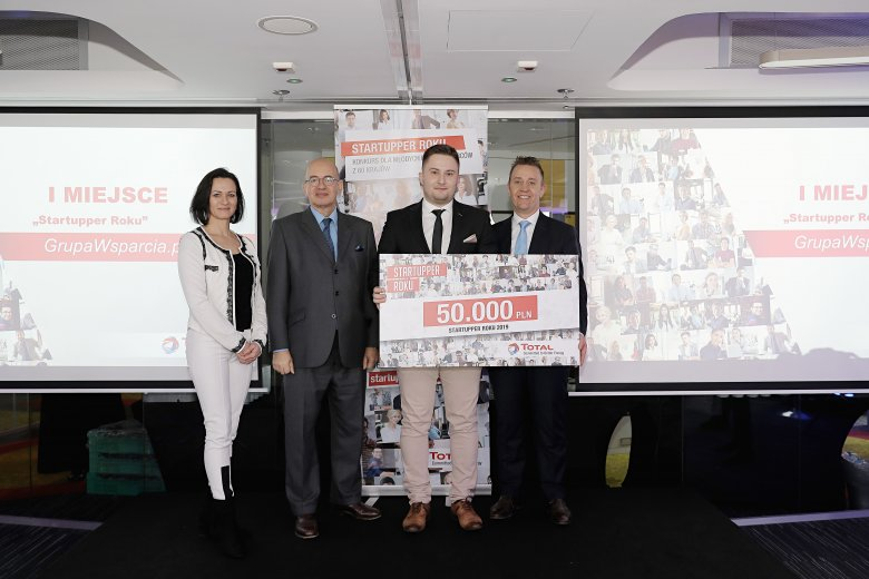 Od lewej Monika Constant, dyrektor generalna Polsko-Francuskiej Izby Gospodarczej, Pierre Levy, francuski ambasador w Polsce, Jakub Juszczyk i Benoit Pimont, dyrektor generalny Total Polska