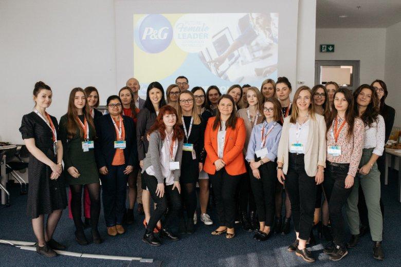 Obecnie, spośród ponad 95 000 pracowników P&G, 45% to kobiety, a fabryka Pampers w Warszawie to jedna z 15 fabryk P&G w 9 krajach zarządzanych przez kobiety. Uczestnictwo w projekcie Future Female Leader in IT nie tylko pozwala zdobyć nową wiedzę i umieję