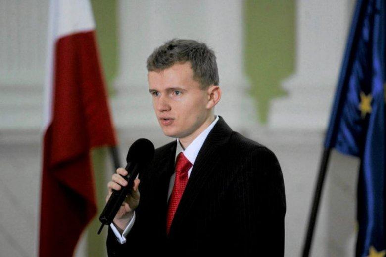 Oliwer Kubicki, były szef kampanii Patryka Jakiego, został zatrudniony w Banku Pekao.