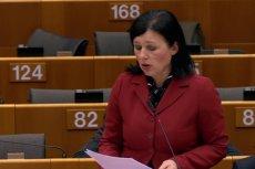 Vera Jourova, unijna komisarz ds. sprawiedliwości, postawiła Facebookowi ultimatum.