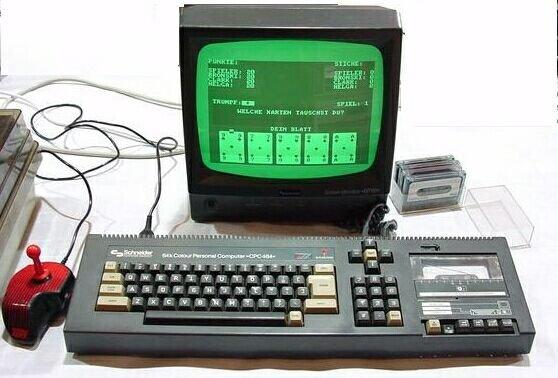 Amstrad-Schneider na kasety z zielonym monitorem. Gra potrafiła sie wygrywać godzinę.