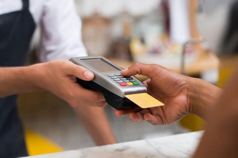 Karty płatnicze to ważne źródło przychodu dla sklepów