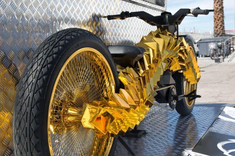 Materialize jest rowerem elektrycznym - pod tą skomplikowaną strukturą ukryte są baterie i napęd