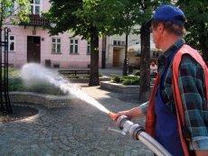 W gminach pod Radomiem brakuje wody. W gminie Gózd wójt zakazał nawet podlewania trawników i ogrodów wodą z wodociągów.