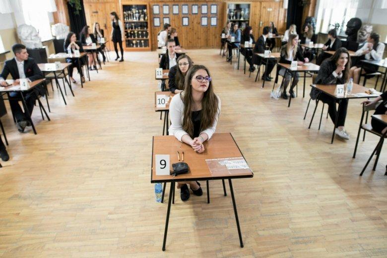 Jeżeli naukowcy mają rację, egzamin maturalny należałoby organizować pięć lat po skończeniu szkoły średniej.