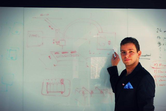 W Polsce technologia tworzona przez blebox.eu trafia m.in. do producent bram garażowych Wiśniowski czy FAKRO