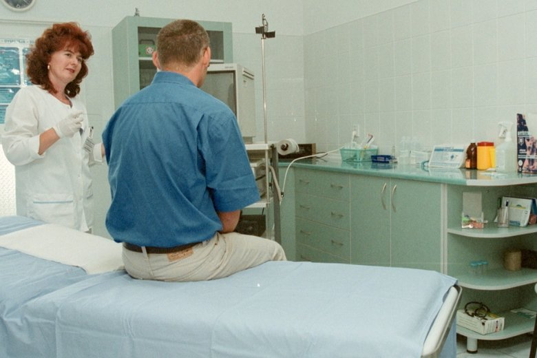 ZUS zaostrza kontrolę Polaków przebywających na udawanych zwolnieniach lekarskich.