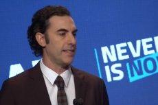 """Sacha Baron Cohen oskarżył firmy technologiczne o zarządzanie """"największą propagandową machiną w historii""""."""