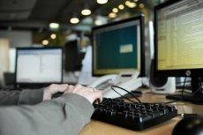 NSA może śledzić osoby wysyłające i przyjmujące bitcoiny - twierdzi portal The Intercept.