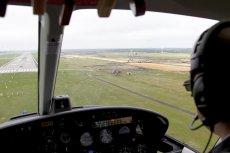 Statystycznie każdy samolot rejsowy przynajmniej 2-3 w roku jest przez nie trafiony. Polacy stworzyli materiał, który zapobiega w takich przypadkach uszkodzeniom poszycia