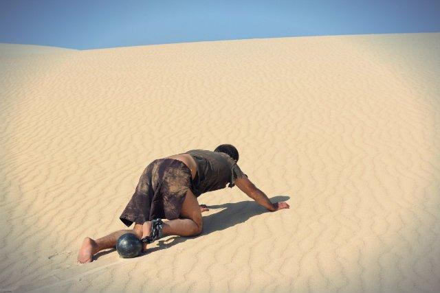"""""""Jeżeli chcielibyśmy policzyć ile jest ziarenek piasku w piaskownicy, to powinniśmy wziąć go w garść i policzyć ile znalazło się w niej czarnego, a ile żółtego piasku. A następnie przeskalować to na całą piaskownicę"""""""