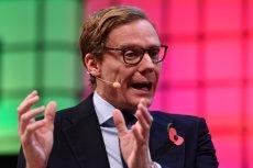 Alexander Nix, były szef Cambridge Analytica. Obecnie członek kierownictwa Emerdata