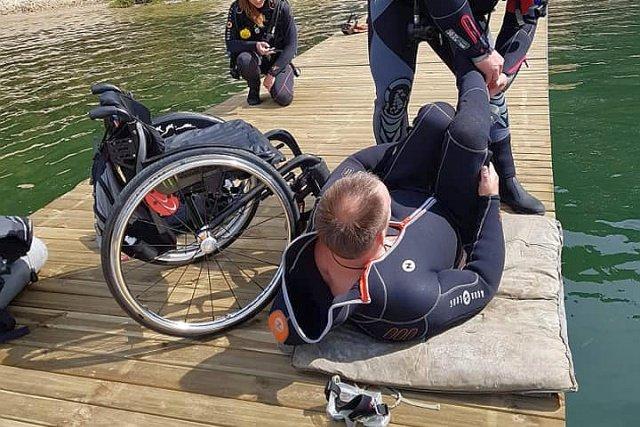 Nurkowanie dla niepełnosprawnych. W Pile powstaje pierwsza na świecie platforma do nurkowania dla osób niepełnosprawnych.