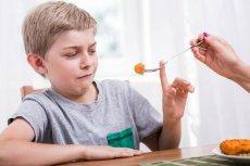 Ryby w menu przynajmniej raz w tygodniu: to sposób, by dzieci lepiej spały i były inteligentniejsze.