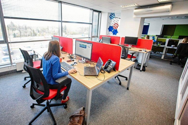 Łódzka siedziba banku Nordea. Praca doradcy bankowego dla klientów korporacyjnych nie ma jednak nic wspólnego z przesiadywaniem za biurkiem.