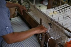 Według Global Labour Justice trend fashion prowadzi do wielu bardzo poważnych nadużyć po stronie dostawców ubrań