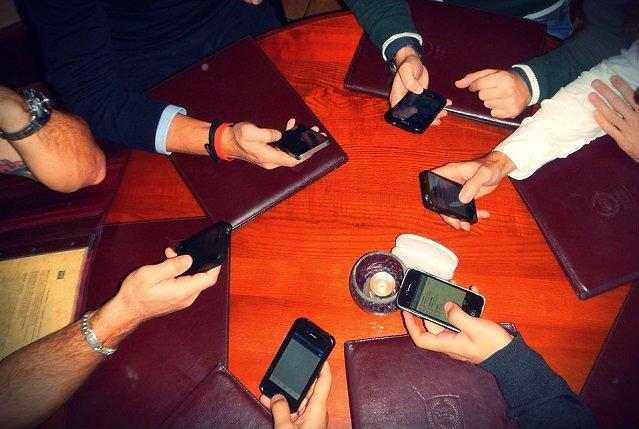 Jak przyznaje Trojniar, część użytkowników WiFi to tradycjonaliści, którzy dalej wolą łączyć się bezpośrednio z siecią. Jednak coraz więcej osób wybiera narzędzia takie jak Spotlike.