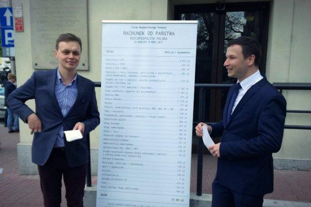 Dr Aleksander Łaszek z Forum Obywatelskiego Rozwoju rozbił na czynnik pierwsze wydatki, na których pokrycie państwo wyciągnęło z naszych portfeli pieniądze w 2017 roku