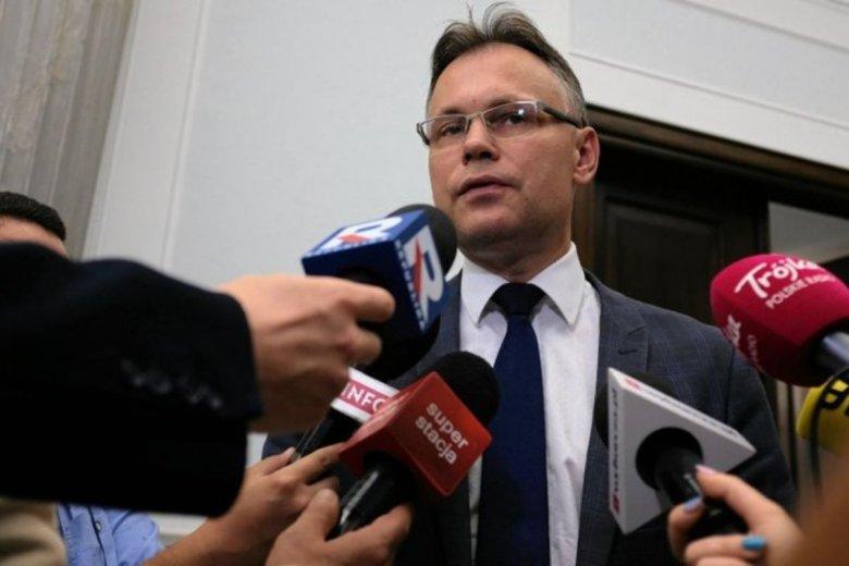 Arkadiusz Mularczyk po wyliczeniu kwoty reparacji chce pokazać raport Niemcom. Prawdopodobnie nastąpi to po wakacjach.