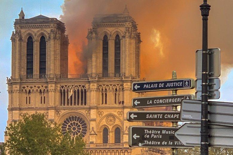 Na odbudowę katedry Notre Dame właściciele marek Gucci i Louis Vuitton przeznaczyli łącznie 300 mln euro.